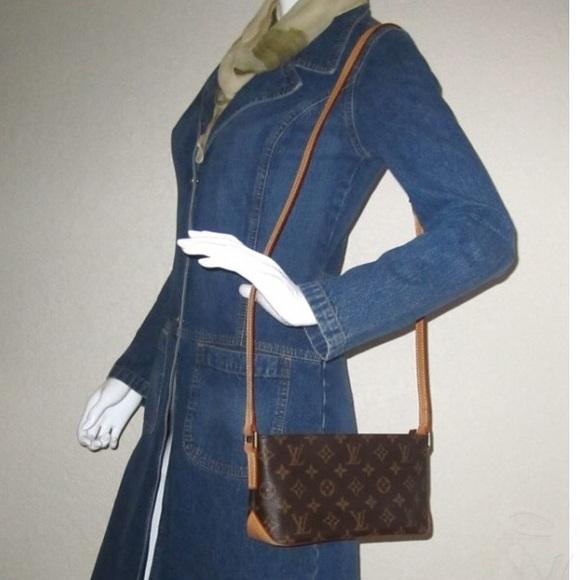 c2eeb37b90eb Louis Vuitton Handbags - Auth Louis Vuitton Trotteur Monogram Crossbody